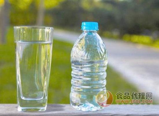 饮用水有哪几种,如何识别市面上的瓶装水