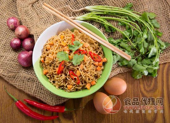 方便面食品市場回升,兩大巨頭占據超八成市場
