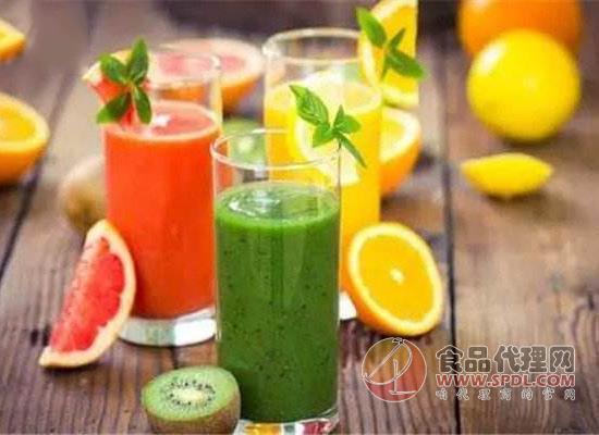 鮮榨果蔬汁需要加水嗎,喝鮮榨果蔬汁的注意事項