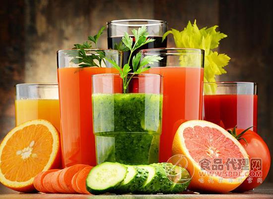 中老年人為什么喜歡喝復合果蔬汁飲料,喝復合果蔬汁的注意事項