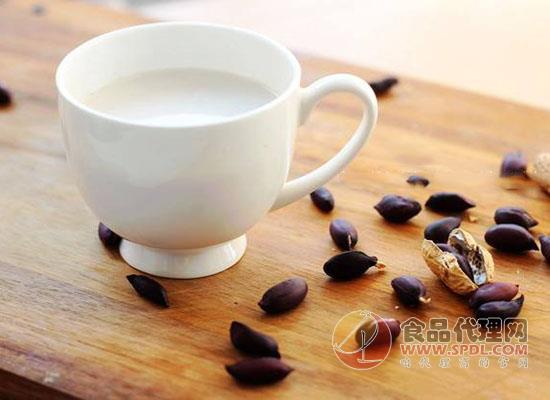 黑花生牛奶好喝嗎,品嘗一下就知道了