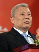"""旺旺集團創造者蔡衍明:從""""敗家子""""到""""米果大王"""""""