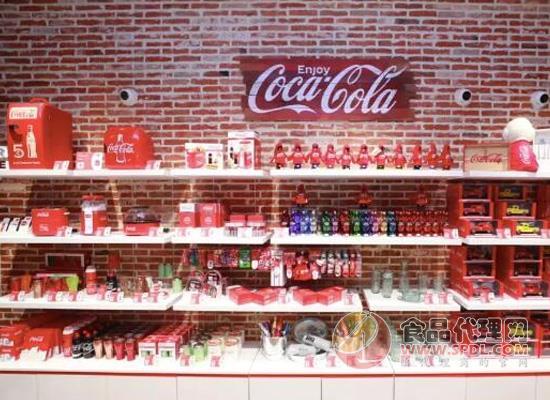 可口可乐在中国开商店,除了可口可乐什么都有