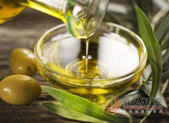橄榄油可以擦脸吗,这个问题因人而异
