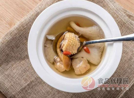 春季養生喝雞湯,雞湯怎么燉好喝又營養