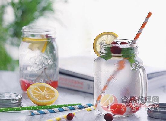 苏打水和苏打汽水有什么区别,这三方面皆不同