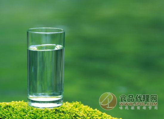 天然水和天然礦泉水的區別在哪里,本文為您解答疑惑