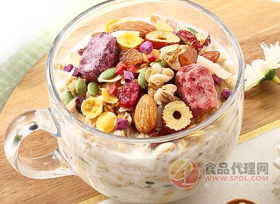 百草味水果麥片好在哪里,想怎么吃就怎么吃