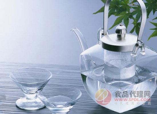 天然水和天然礦泉水的區別,了解這些很有必要