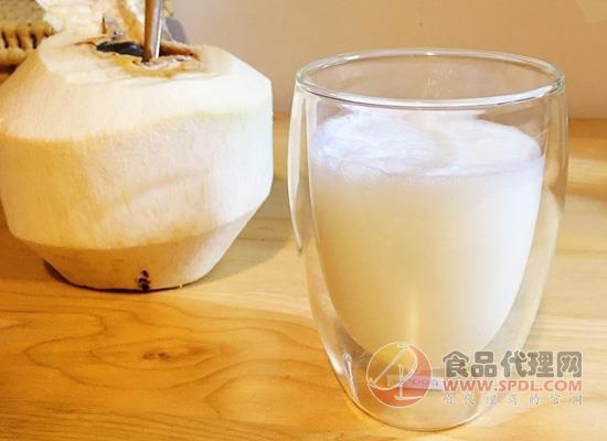 椰子汁不能和什么一起吃,这种食物要避免