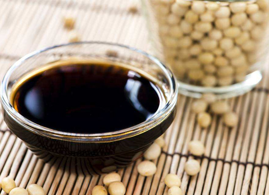 蒸魚豉油放在菜里有什么好處,吃它需要注意什么
