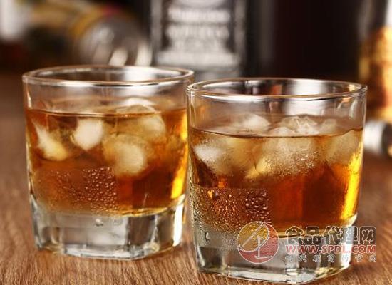 腹瀉可以喝功能飲料嗎,喝它還需要注意什么