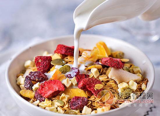 水果麥片用什么牛奶泡,水果麥片有什么好處
