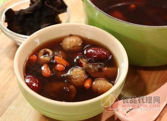 黑木耳红枣汤的功效与作用,怎么制作黑木耳红枣汤