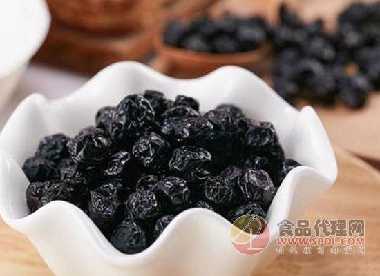 蔓越莓干和藍莓干的區別,適量食用藍莓干有什么好處