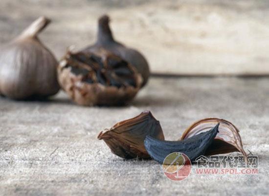 女人吃黑蒜有什么好处,吃黑蒜时需要注意什么