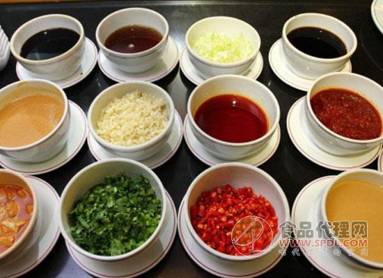 火锅蘸料都有什么,南北方的火锅蘸料有什么区别