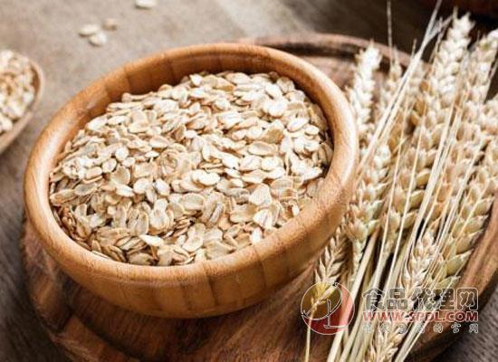 如何辨别真假燕麦片,食用燕麦时需要注意什么
