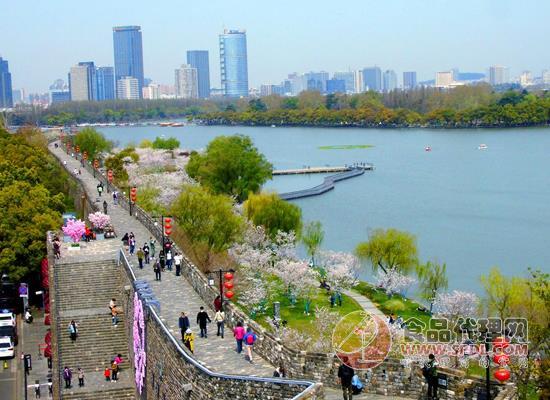 第十五屆江蘇春季食品商品展覽會附近景點