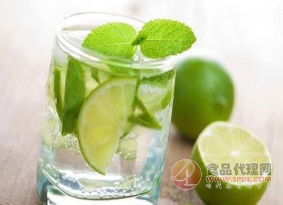 氣泡水和蘇打水的區別是什么,喝氣泡水的好處
