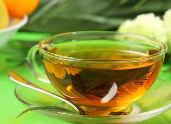 味道酸甜,口感细腻,苹果醋的功效与作用都有什么