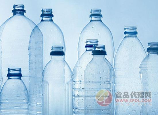 再生PET市场持续增长,饮料公司加大rPET包装投入