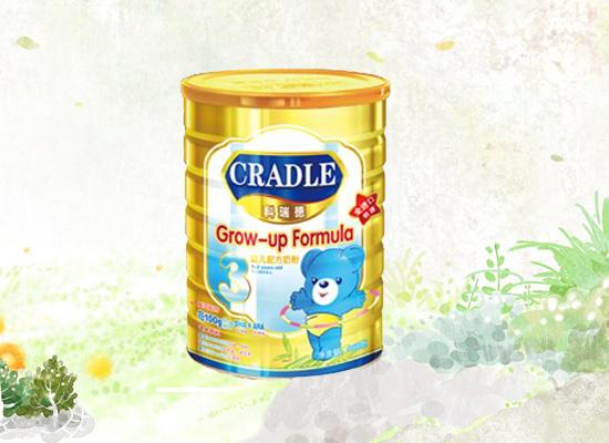 根据婴幼不同需求,科瑞德食品生产出适合孩子食用的奶粉!