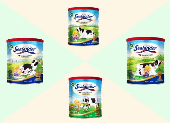 奶粉种类较多,家长要选择孩子合适的奶粉才能起到作用!