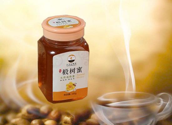 椴树蜜拥有浓郁的椴树风味,深受大家的青睐!