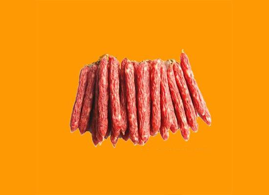 采用深加工的生产模式 经营中式传统腊味和西式肉制品系列产品