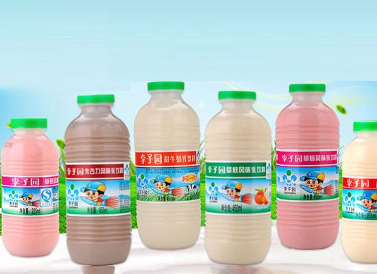 经过多年市场耕耘,奠定了塑料瓶风味甜奶的地位