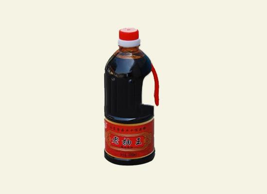 巧六厨老抽王酱油,色泽浓郁颜色纯正!