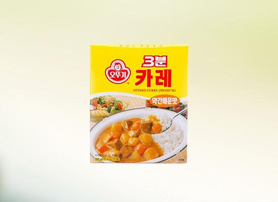 速食咖喱粉集各类香辛料于一身,味道浓郁又好吃!