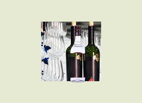 不断适应市场需求,打造消费者满意的红酒!