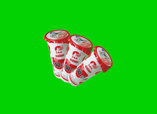 三色鸽酸奶昔酸甜可口,做你爱喝的乳饮品!