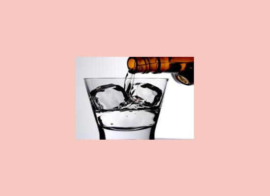华都酒业始终坚持用户至上,用真诚的服务去打动客户!