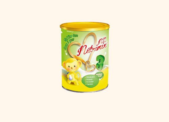 纽粹美幼儿奶粉原装进口,保证孩子每一口都能吃到营养!