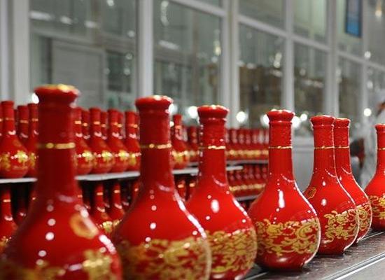 """神采飞扬中国""""朗"""",我们将以长跑的心态壮大郎酒事业!"""