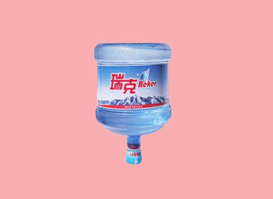 桶装水依然是目前最信赖的饮用水