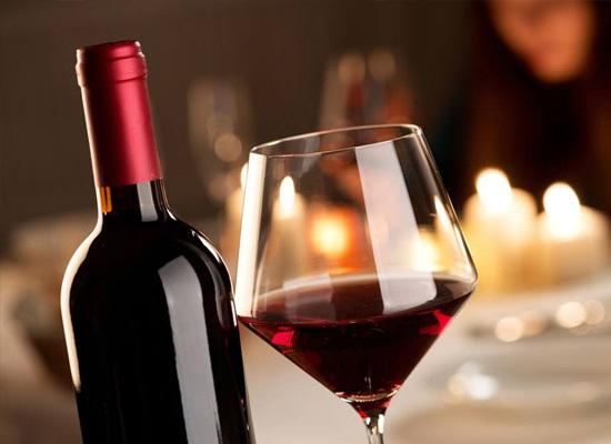 如何品尝天然干红葡萄酒?