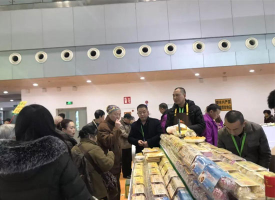 万州特色农产品参加展会,受到重庆市民的热捧