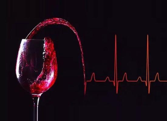 喝酒就要有气质,葡萄酒给大家带来了美味和健康!