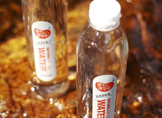 莫干山天然地表水颜值高,口感清爽,风靡饮品市场!
