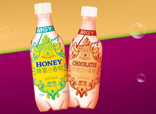 梦果园气泡水,多种口味,清爽口感一触即发