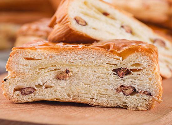 乐福特丹麦红豆面包,松软面包加上甜糯红豆