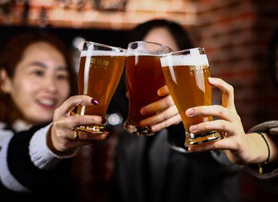 英豪精酿啤酒馆,收集成年人的喜怒哀乐的微醺小酒馆