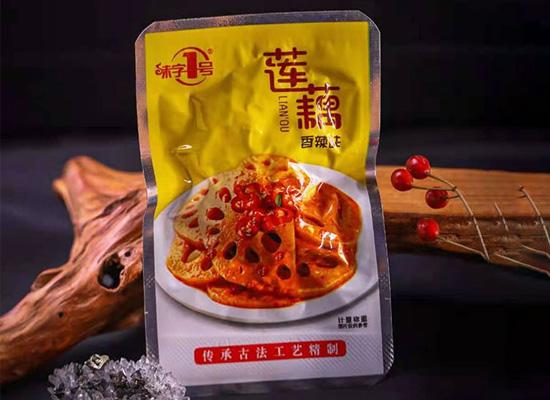 海汁源产品众多,味字1号木耳笋、海带等即食零食十分畅销